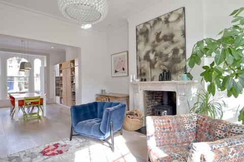 5 bedroom semi-detached house for sale - Burghley Road, Kentish Town, London NW5
