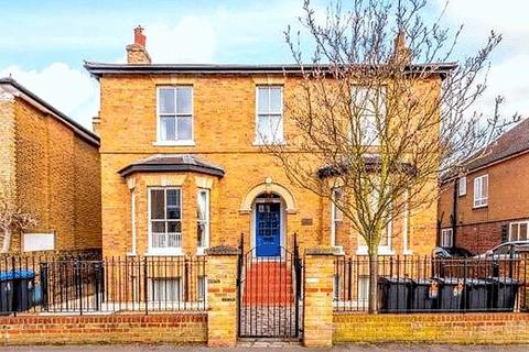 2 bedroom apartment for sale - Grange Road, Kingston Upon Thames, KT1