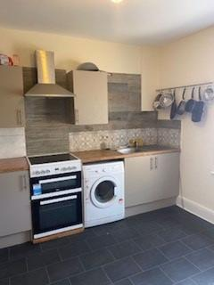 5 bedroom apartment to rent - Great University Location - 5 Double Bedrooms  - Wimborne Road,Winton