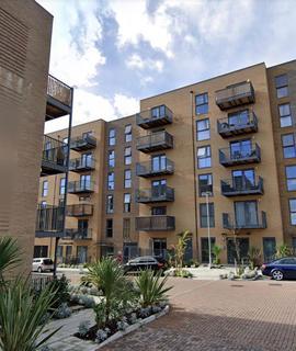 3 bedroom flat for sale - Flat , Cortland House, Apple Yard, London