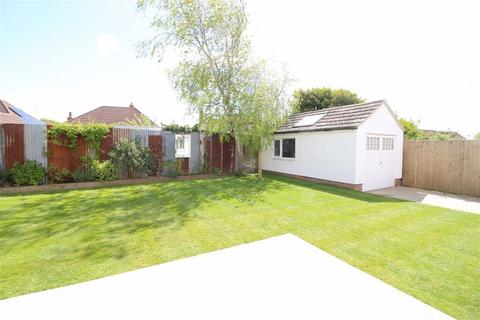3 bedroom detached bungalow for sale - Old Milton Road, New Milton, Hampshire