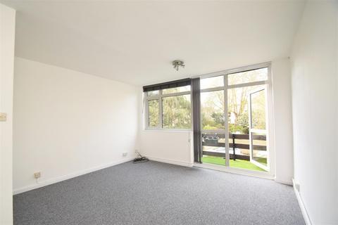 2 bedroom flat to rent - Cambridge Park, East Twickenham