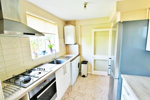 2 bedroom flat to rent - Stoughton Road, Leicester