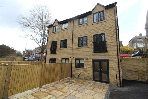 3 bedroom semi-detached house to rent - Ovenden Road, Halifax