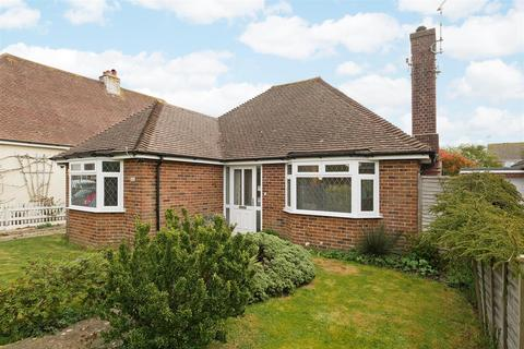 2 bedroom detached bungalow for sale - South Drive, Felpham