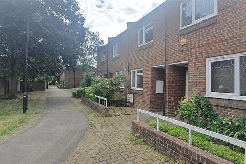 3 bedroom terraced house to rent - Jack Barnett Way, London