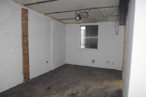 Property to rent - Brook End, Weston Turville, Aylesbury