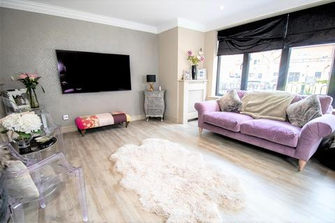 3 bedroom house for sale - Linden Square, Harefield