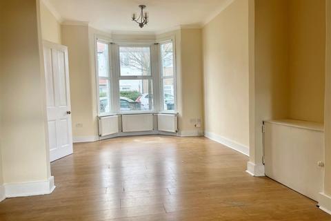 2 bedroom house to rent - Croyland Road, London