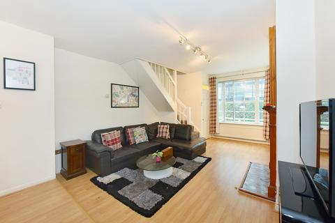 3 bedroom property to rent - Eastbourne Mews, Bayswater, W2