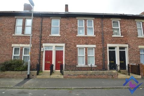 3 bedroom flat to rent - Bensham Avenue, , Gateshead, NE8