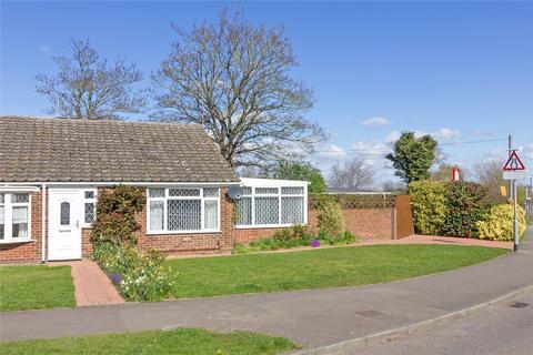 2 bedroom bungalow for sale - Stanhope Avenue, Sittingbourne, Kent, ME10