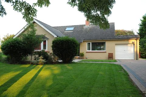 3 bedroom bungalow for sale - Freshwater East Road, Lamphey, Pembroke, Sir Benfro, SA71