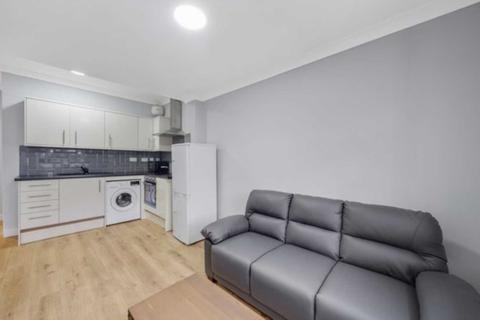 1 bedroom flat to rent - Frithville Gardens, Shepherds Bush, London W12 7JN
