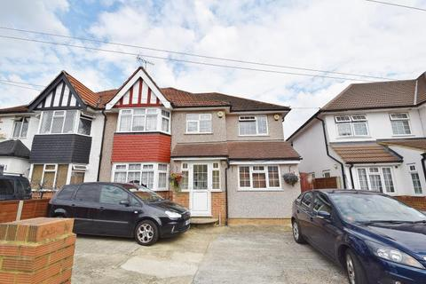 1 bedroom in a house share to rent - Laughton Road, Northolt, Middlesex