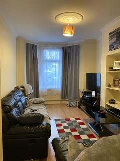 3 bedroom terraced house to rent - sandyhill Rd, Ilford IG1