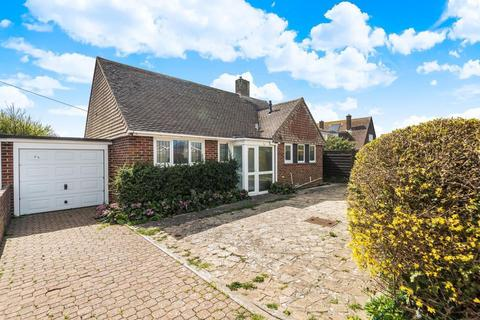 2 bedroom detached bungalow for sale - Grove Road, Selsey, PO20
