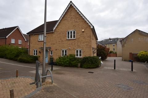 3 bedroom end of terrace house to rent - Newbury Park, IG2