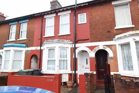 3 bedroom terraced house to rent - Denbigh Road, Luton LU3