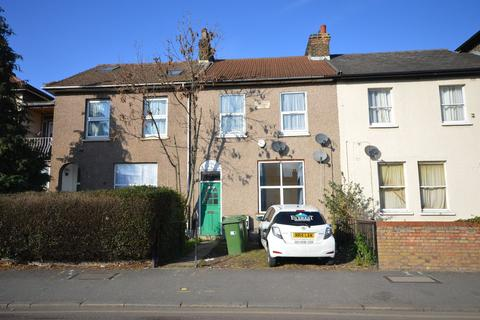 3 bedroom apartment to rent - 47A Forest Lane