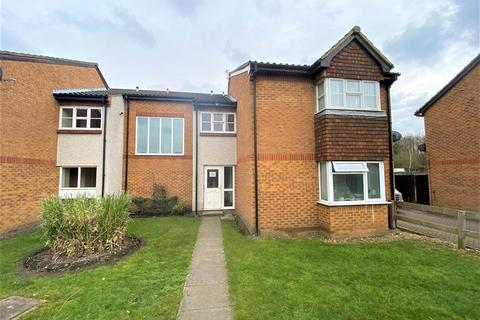 1 bedroom ground floor flat to rent - Abbotswood Way, Hayes, Greater London, UB3 3PQ