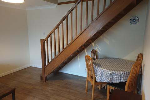 1 bedroom semi-detached house to rent - BOLTONS LANE, HARLINGTON HAYES UB3