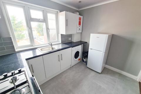 2 bedroom flat to rent - High Street, Whitton, Twickenham, Greater London