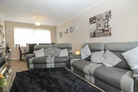 2 bedroom semi-detached house to rent - St Catherines Hill, Bramley