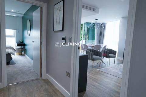 3 bedroom flat to rent - Gladwin tower, Wandsworth road, SW8