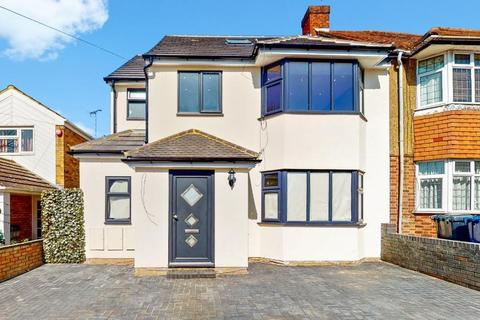 3 bedroom flat to rent - Studland Road, Hanwell, London, W7 3QX