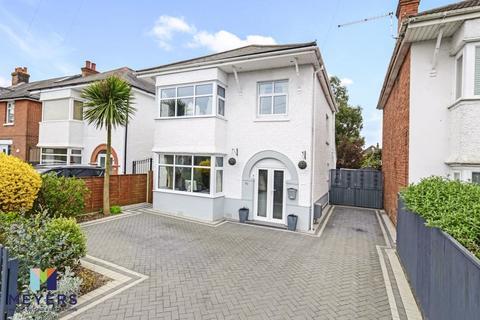 3 bedroom detached house for sale - Gresham Road, Moordown, BH9