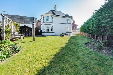 3 bedroom detached house for sale - Hindover Road, Seaford