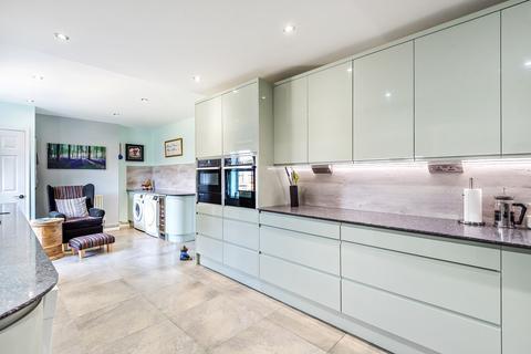 5 bedroom detached house for sale - Bury Road, Shillington, SG5