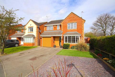 4 bedroom detached house for sale - Lilac Way, East Goscote
