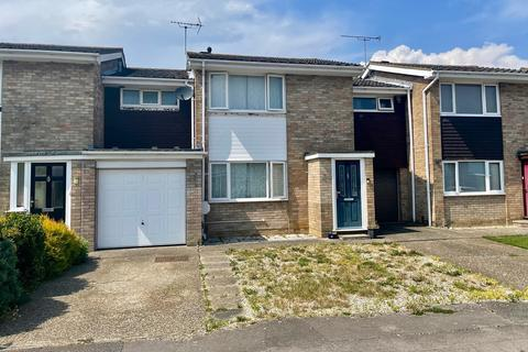 3 bedroom terraced house for sale - Osea Way, Springfield, Chelmsford, CM1