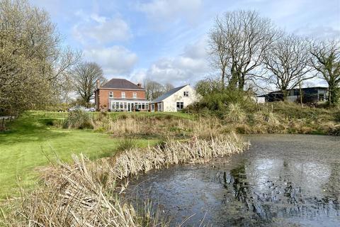 4 bedroom property with land for sale - Bills Park, Wallis, Haverfordwest