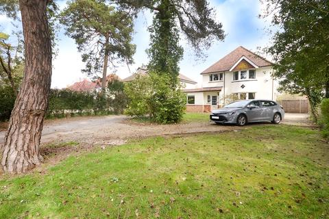 4 bedroom detached house for sale - Horley, Surrey, RH6