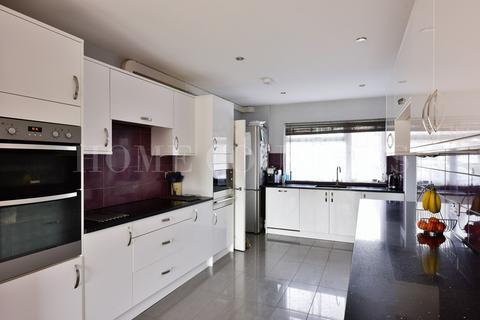4 bedroom semi-detached house for sale - Tiverton Road, Potters Bar, EN6