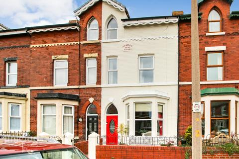 5 bedroom terraced house for sale - Normandy Guest House, 100 Promenade Road,  Fleetwood, FY7