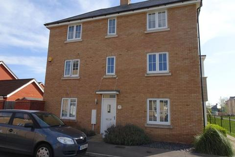 4 bedroom semi-detached house to rent - Romsey, Hampshire
