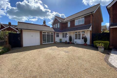 4 bedroom detached house for sale - Letheren Place, Old Town, Eastbourne, BN21