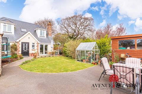 2 bedroom detached house for sale - Ensbury Avenue, Bournemouth BH10