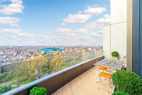 2 bedroom flat to rent - Wood Crescent, London