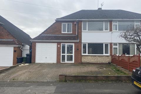 3 bedroom semi-detached house for sale - Birmingham DY1 4PD