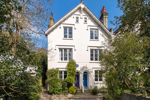 3 bedroom semi-detached house for sale - Villas on the Heath, Vale of Health, London, NW3