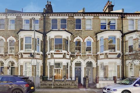 3 bedroom maisonette for sale - Sangora Road, Battersea, London