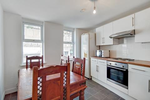 2 bedroom flat to rent - Station Road, Sidcup, Kent, DA15