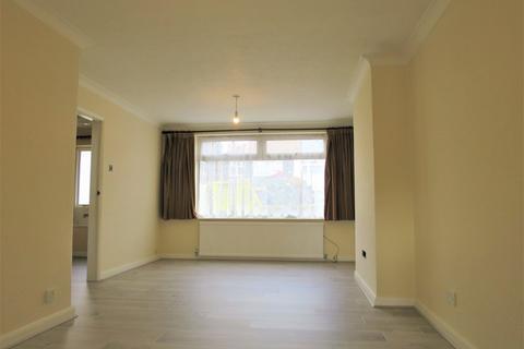 4 bedroom semi-detached house to rent - Charcroft Gardens, En3