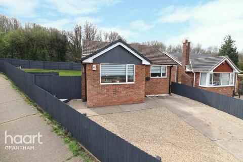 2 bedroom detached bungalow for sale - Denton Avenue, Grantham