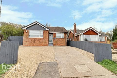 2 bedroom detached bungalow for sale - Denton Avenue, Grantham